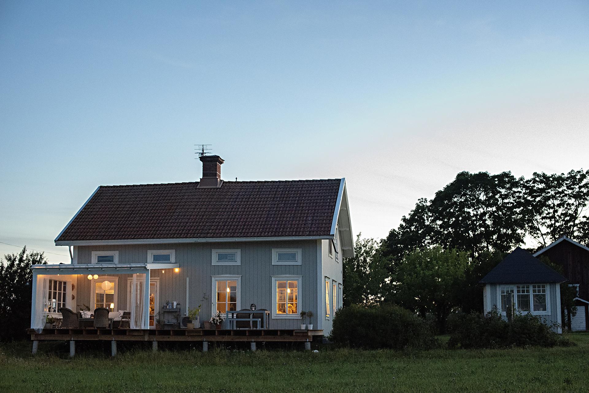 vackert hus på landet